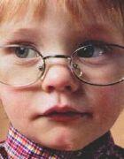 治疗小儿弱视要坚持戴眼镜吗?