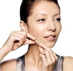 皮肤松弛下垂怎么办 抚平岁月痕迹做足以下四步