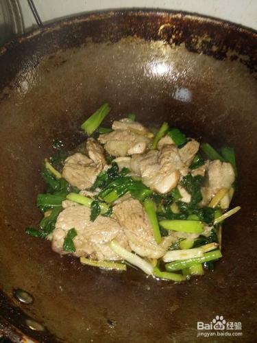 家常小炒--小葱大块肉